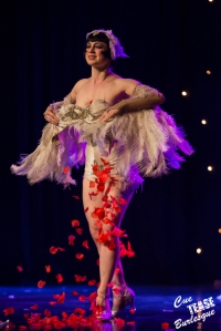 Cue Tease Burlesque performer: Vicky Butterfly (Burlesque)